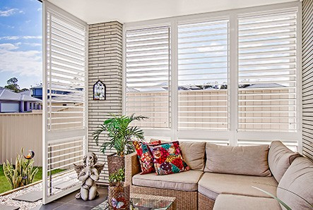 4 Reasons To Consider Louvre Shutters For Outdoors